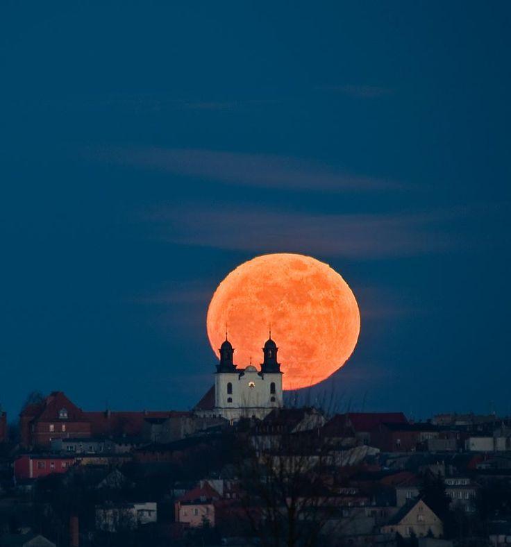 Full Moon Photography   Marek Nikodem Szubin, Poland --Full Moon rising above in 1780 year ...