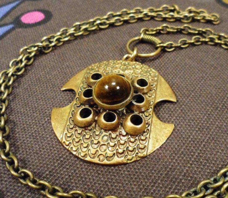 Pentti Sarpaneva, bronze and tiger's eye modernist vintage necklace, 1970's. #Finland | FinlandJewelry.com