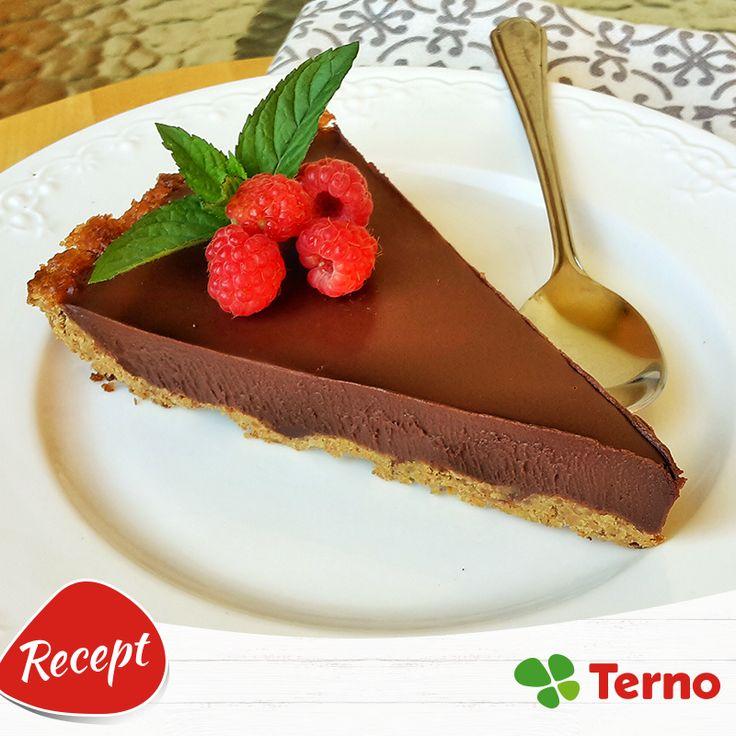 Už ste skúšali kombináciu čokolády a chilli? Vďaka tomuto koláčiku si ju zamilujete. :-) http://bit.ly/2alJoy0