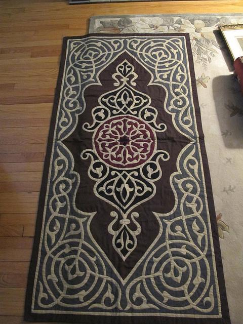 Very detailed applique -- Egpytian Quilt, via Flickr.