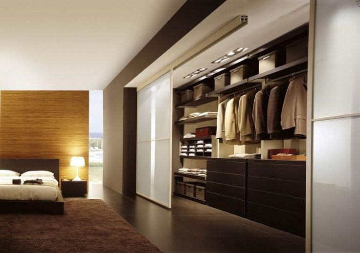 pared de madera en el dormitorio moderno