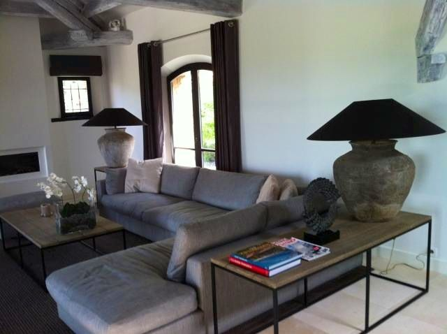 Livingroom by zantos interiors exteriors