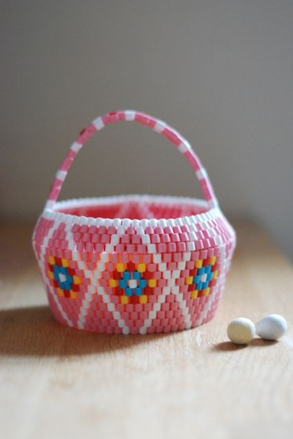 Easter Candy basket in pink. HEJSAN GOODS.
