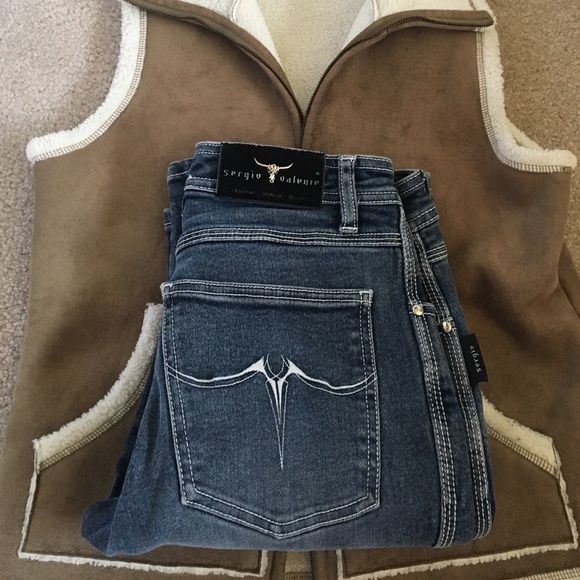 "🎉SERGIO VALENTE jean Great high waisted Jean-front rise 9 1/2"" back rise 14 1/2"" inseam 32 1/2"". Good condition- small fray on hem. NO TRADES Sergio Valente Jeans"