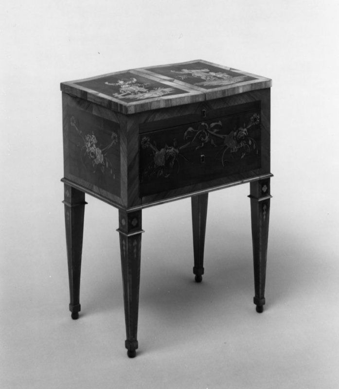 Dressing table (Bonheur du Jour), David Roentgen, 1775-1780.  European Decorative Art, French Furniture. Art and interior design