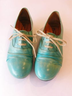 pionero: Babelike Styles, Style Shoes, Colour Inspirations, Color, Shoes Clothes, Shoes And Socks, Shoes Accessories, Aqua, Bowling Shoes