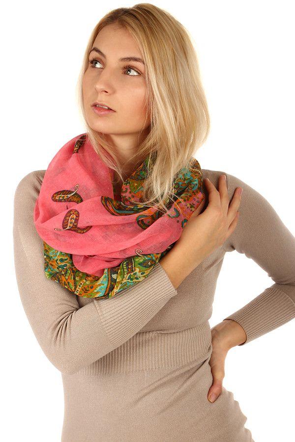 Kruhový dámský šátek s originálním vzorem - koupit online na Glara ... 6c71705d2a