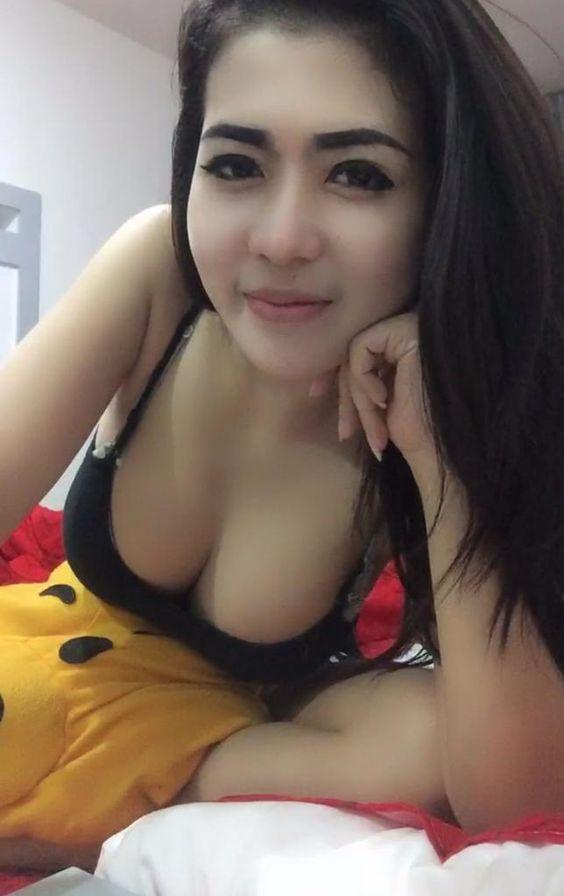 Tante Maya Foto Selfie Hot Banget