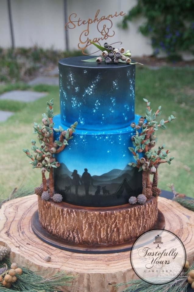 Talk about amazing cake decorating. Take off the tree things on the side and its perfect.