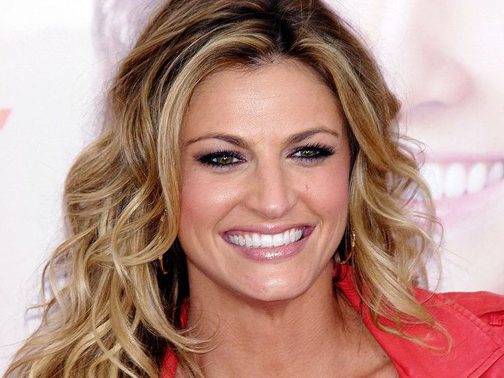 Erin Andrews threw up after FBI made her watch the peephole video [Testimonial Video] - http://www.sportsrageous.com/entertainment/erin-andrews-threw-up-after-fbi-made-her-watch-the-peephole-video-testimonial-video/9707/