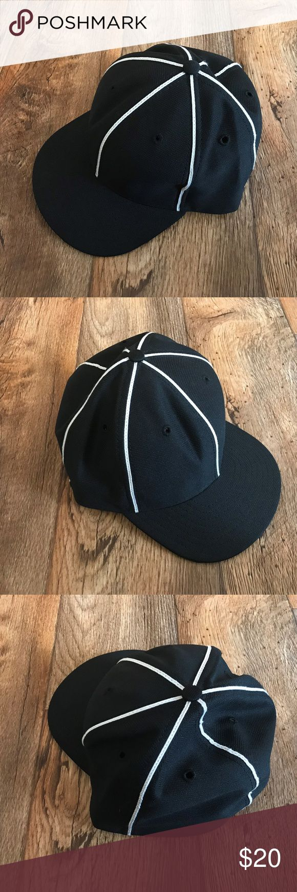 New Era Men Hat Cap Black Baseball Cap Original US New Era Mens Hat Cap Black Baseball Cap Original Made in USA Hats Size 7 3/8  Brand: New Era  Color: Black  Size: 7 3/8  Pre-owned: used and in good condition. New Era Accessories Hats