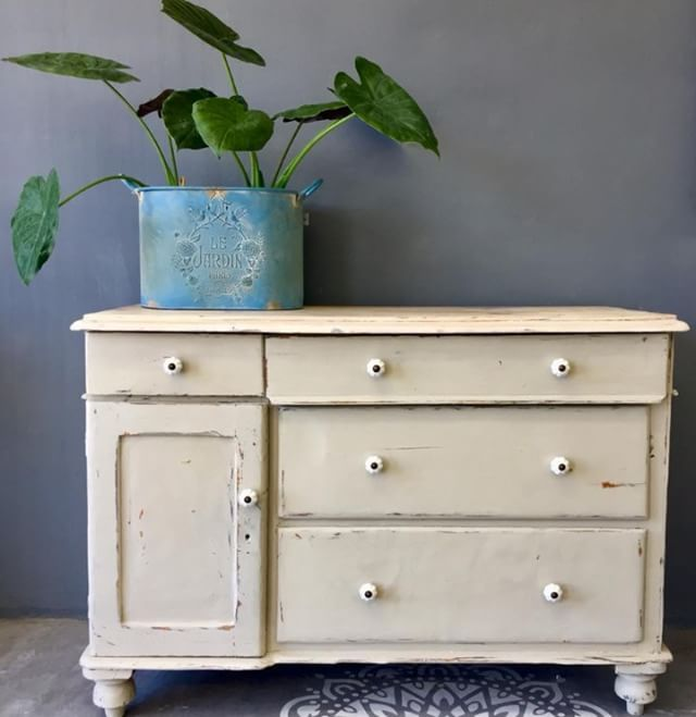 Best 25 Gray Chalk Paint Ideas On Pinterest: 13 Best Country Grey Images On Pinterest