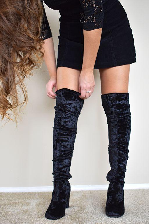 e3db9c10a1f ¿Cómo combinar botas bucaneras de terciopelo? Conoce los detalles de la  tendencia de este invierno | I N S T A G R A M @sobretacos