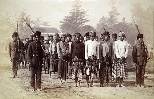 Prisoners in Java (Netherlands Indies) ca 1900 Photographer unknown