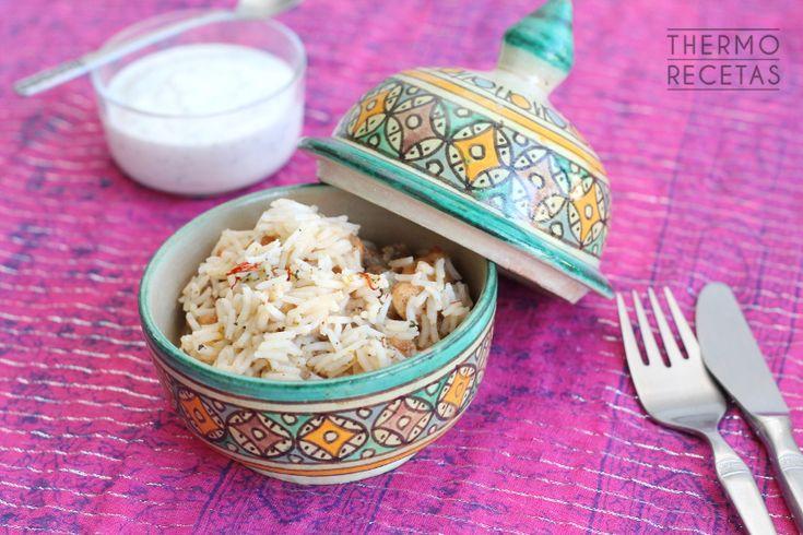 Chicken Biryani (arroz con pollo hindú) # ¡Qué ganas tenía de enseñaros esta receta! Es un plato típico de la cocina hindú y es de mis favoritos :) Es un arroz acompañado de trocitos de pollo y una salsa realmente deliciosa. Para …