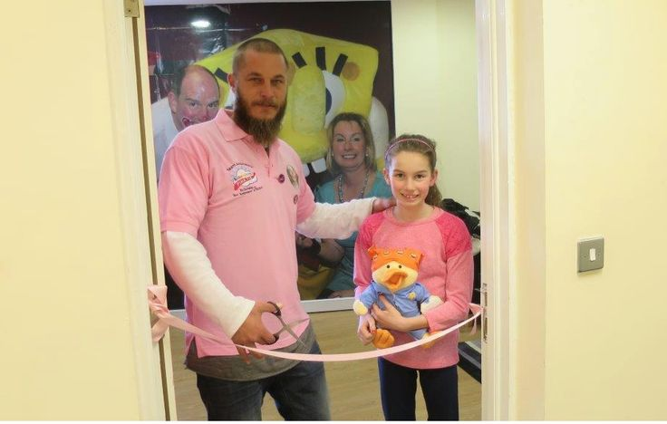 Travis Fimmel Unofficial — Travis Fimmel with Roisin, and Jimmy from...