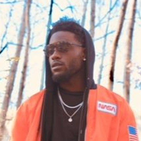 Listen to the Stunning #Rap Songs by the Proficient Rapper #BennyHunnid