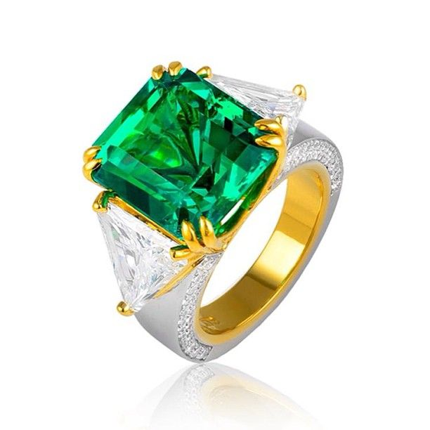 GABRIELLA RING - The Green Goddess is a uniquely designed ring with one of the finest rare emeralds ever seen. This one of a kind, 11.02 extremely fine Columbian emerald has no enhancement, and is free of any surface fissures #marinab #bulgari #bvlgari #jewels #bijoux #ring #bague #fashion #luxury #legendary #emerald #emeraude #diamonds #diamant #gold #or #oro #nyc #photooftheday #picoftheday #gioielli #jewelry #joaillerie #gioielleria