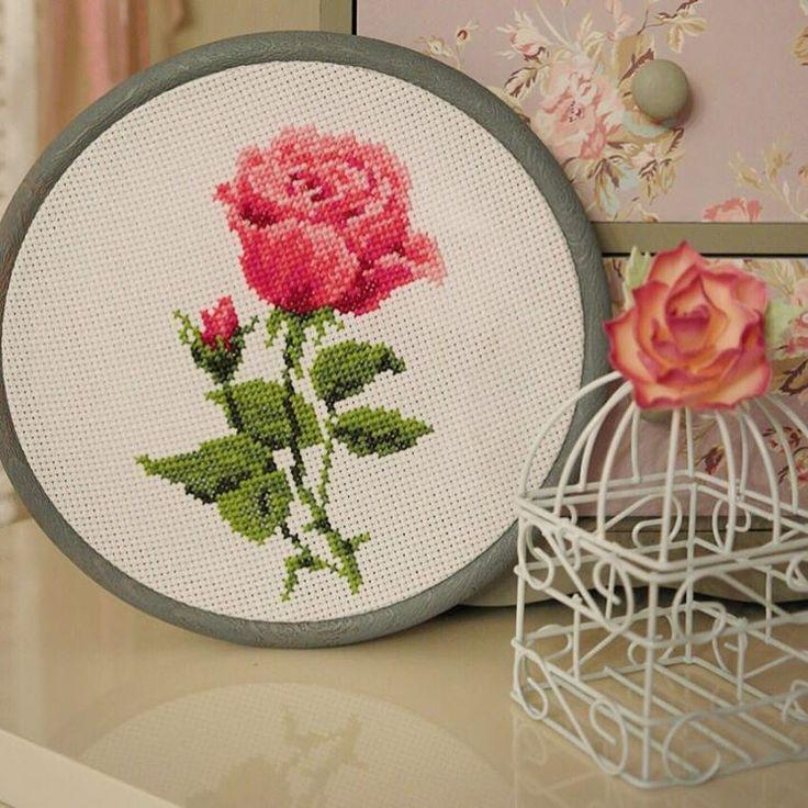 #вышивка #вышивкакрестиком #вышивкаручнаяработа #вышивкацветы