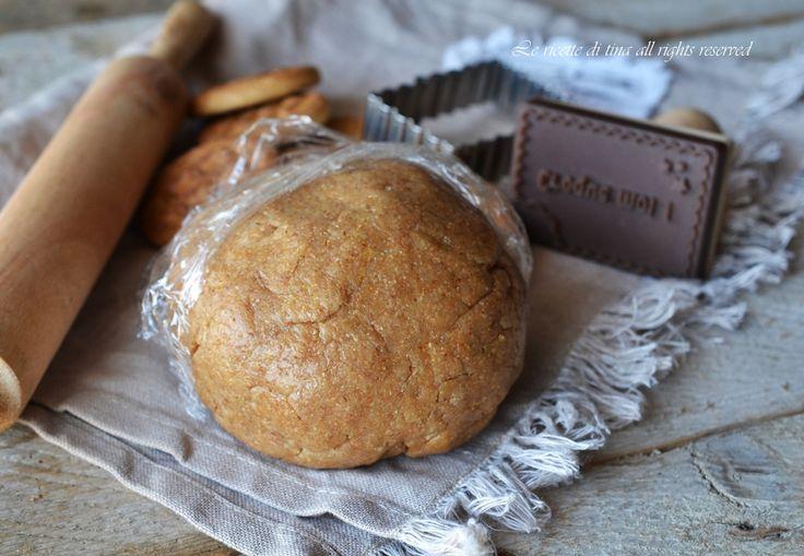 Pasta frolla integrale all'olio con zucchero di canna,una ricetta base leggera,senza burro