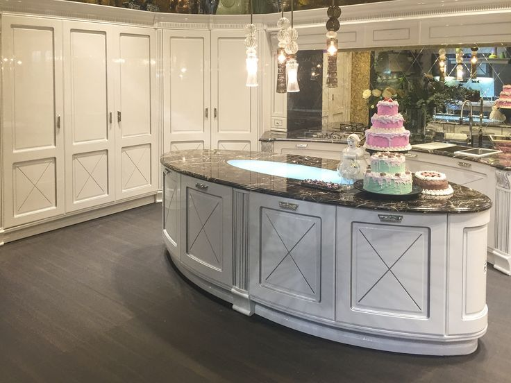 Aran Cucine has updated their most popular #traditional #kitchen: Imperial. High-gloss finishes, curved doors, concave cabinets, new crown molding and toe kick. Beautiful!