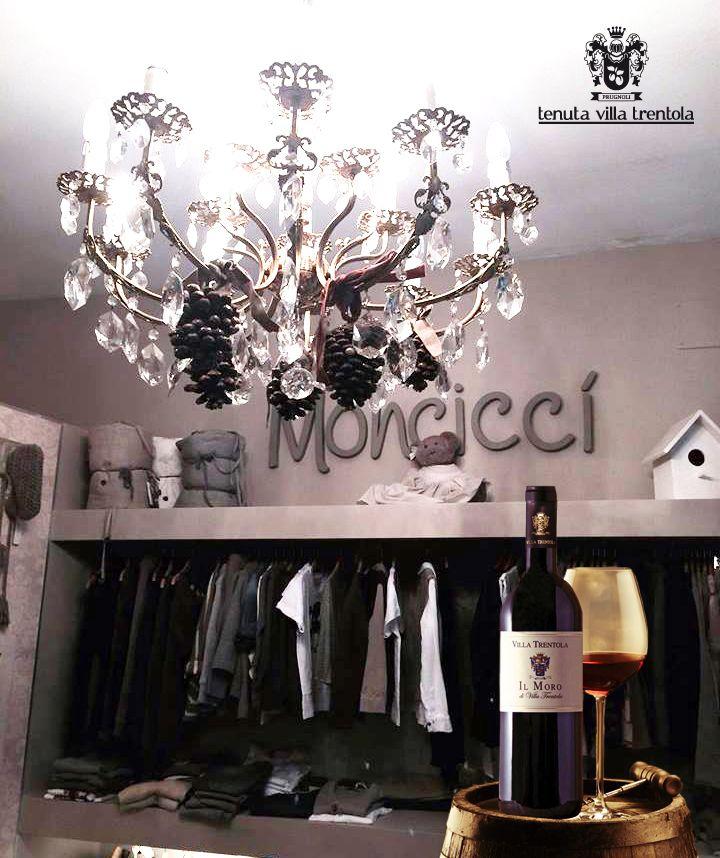 Monciccì Di Monica Rivani vi aspetta Domenica 17 aprile in Via Dragoni 35 a #Forlì con i #vini di Tenuta Villa Trentola!! Aperitivo, #shopping e #musica dal vivo. ✨ Il sorriso e la cordialità dei proprietari vi accoglieranno per trascorrere insieme una domenica di divertimento in città.    #TenutaVillaTrentola #Vino #Wine #Abbigliamento #NegozioAbbigliamento #Monciccì #MonciccìForlì #Forlì #Bertinoro #EmiliaRomagna #Eventi #MotoShopping #MaximumSocial