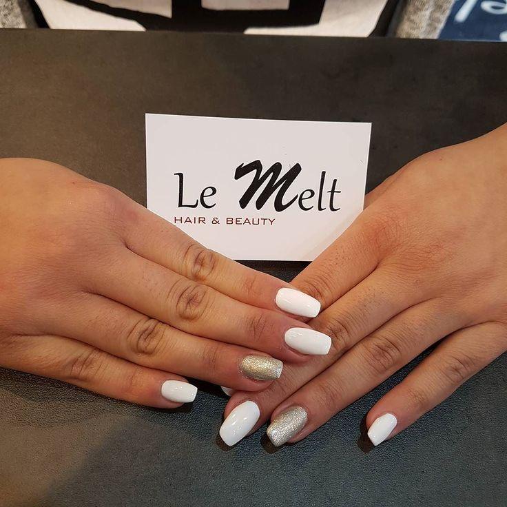 Pose de capsules fine et élégante comme on les aime... #nails #capsules #ongles #esthetique #peggysage #goodjob #lemelt #lemeltbeauty #villemomble