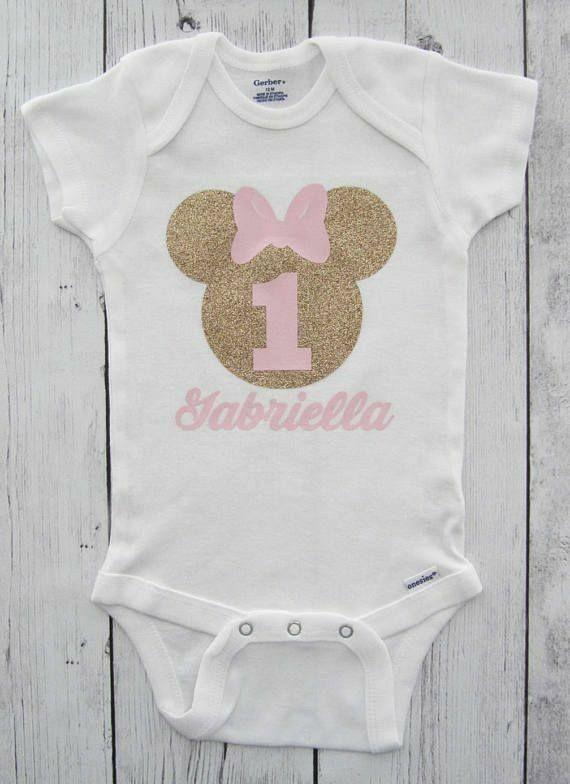 d7a4817f9 Pin by Eileen Korsakas on Diseños | Minnie mouse cumpleaños, Camisetas bebe,  Minnie mouse primer cumpleaños