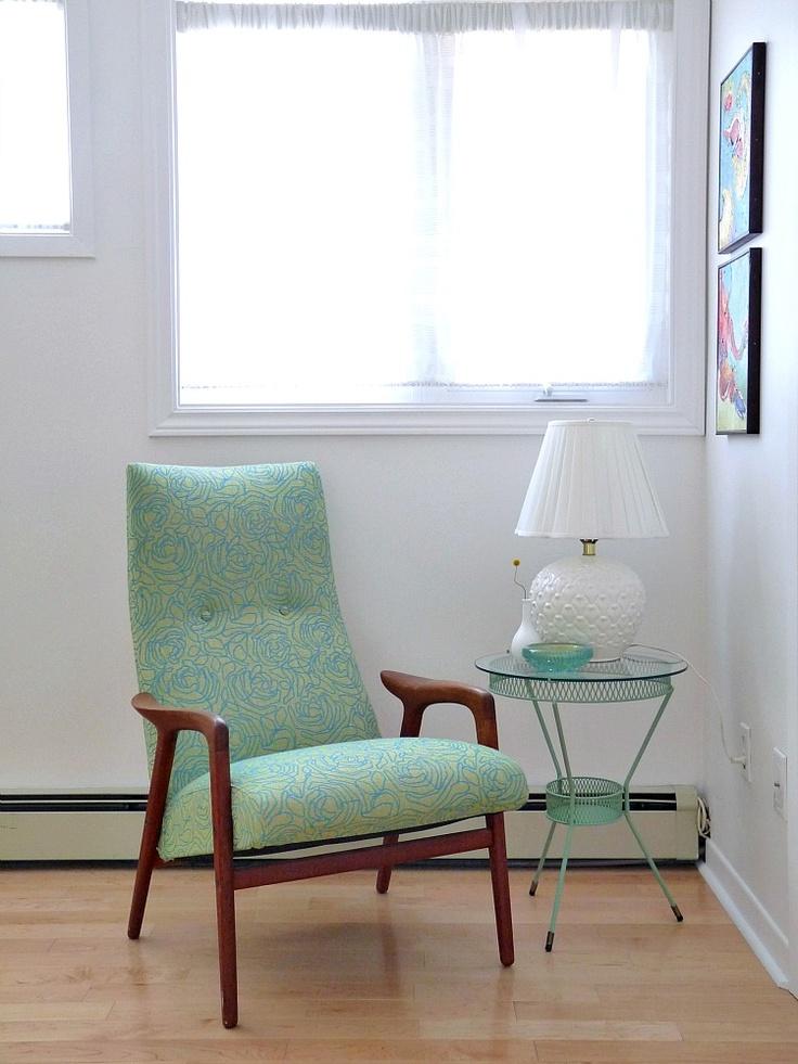 Dans le Townhouse: Pinterest Challenge: Minty Table Makeover