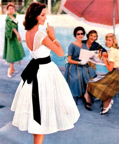 Stunning dress,1950's. Why don't we dress like this anymore???