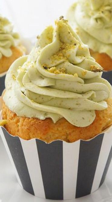 White Chocolate Cupcakes with Pistachio Buttercream