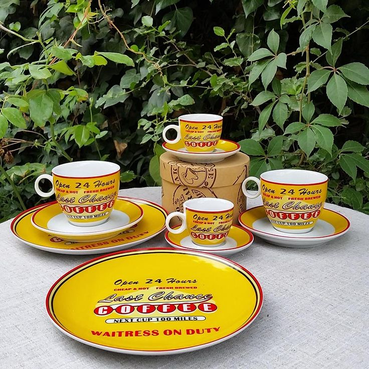 Un homenaje a las road movies, perfecta para los nostálgicos, las tazas y platos de esta colección son una celebración cincuentera. En  nuestra tienda online www.labellezadelascosas.cl