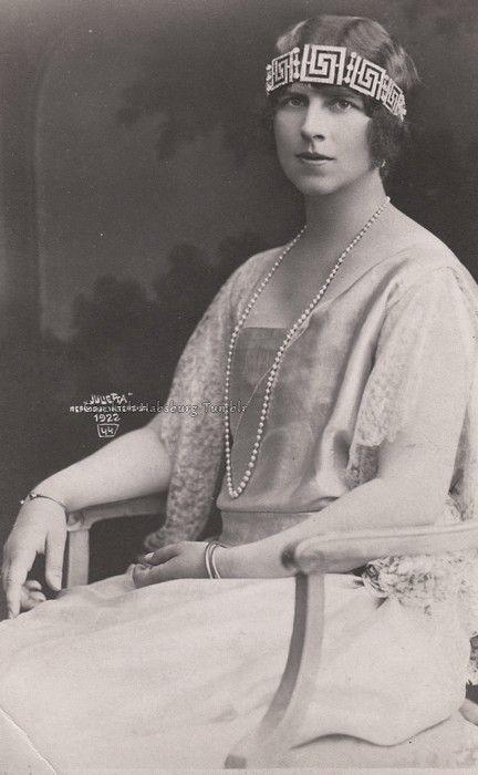 """""""Regina Mama"""" Elena of Romania, neé Princess of Greece, 1922"""