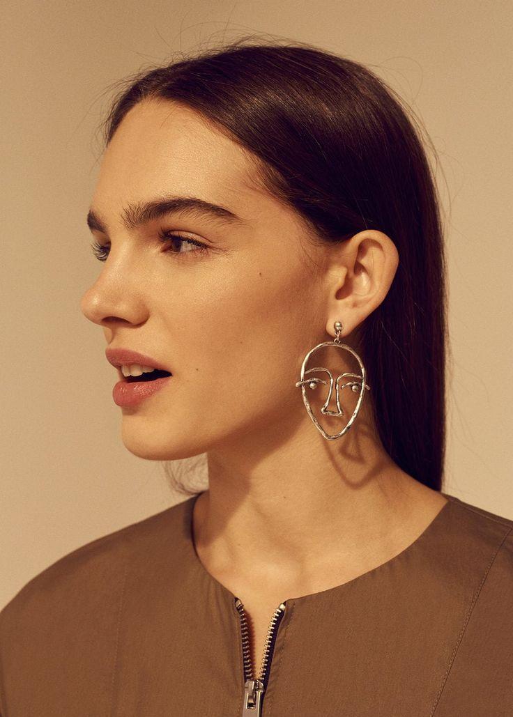Face earrings | MANGO .... Got it!