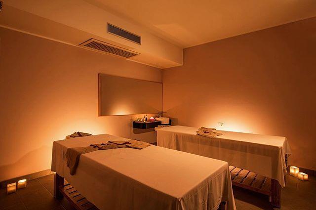 """#ispa #massage #couplemassage #relaxing #wellness #spa #centrobenessere #lagodicomo #leisureactivity #beauty #lakecomo #benessere #luxurylife #takecareofyou #igersitalia #ig_lakecomo #discoverlakecomo http://www.hotelimperialecomo.it/it/spa-piscina @hotel_imperiale_spa_lake_como @ispa_imperiale @ristoranteimperialino"" by @ispa_imperiale."