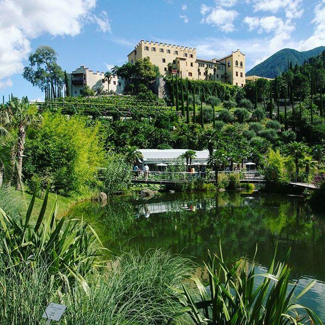12 ettari di verde con piante da tutto il mondo I giardini di Castel Trauttmansdorff a Merano sono un anfiteatro naturale amato dallimperatrice Sissi. Si può percorrere anche il sentiero a lei dedicato in una stupenda passeggiata. #MCMood #GiardinidItalia #WeLoveItaly #Gardens #BestGarden #Merano #Trauttmansdorff #PrincipessaSissi #SissiPrincess (  @gettyimages )  via MARIE CLAIRE ITALIA MAGAZINE OFFICIAL INSTAGRAM - Celebrity  Fashion  Haute Couture  Advertising  Culture  Beauty  Editorial…