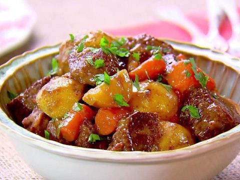 Get this all-star, easy-to-follow Old-Time Beef Stew recipe from Paula Deen