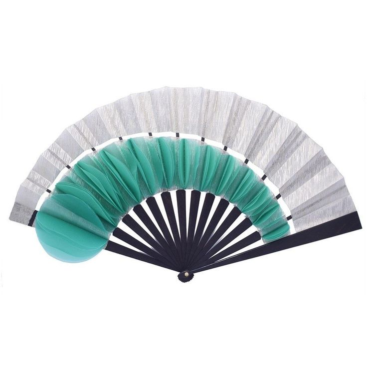 This fan displays a cabriolet cut in silver metallic silk leaf embroidered with green organza petals that open and close as you wave your fan. The contrast of fabrics and colors plays with the light a