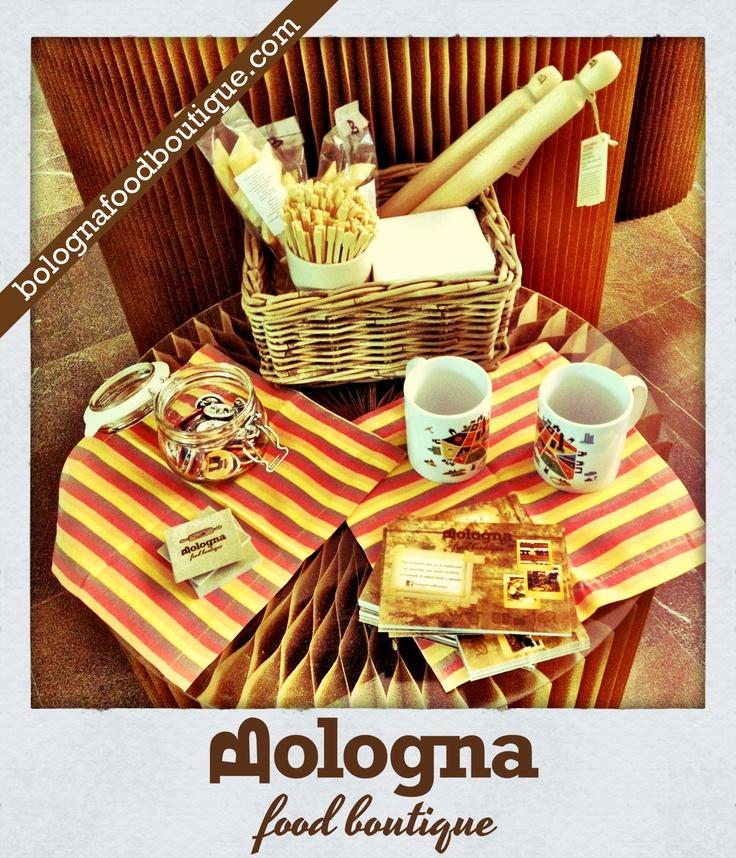 Bologna Food Boutique - Bologna Colors Products and Gadget (Mugs, Pins, Mattarelli, Card)