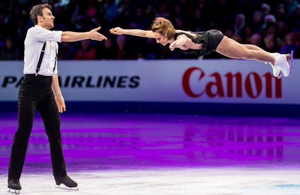 Canada's Meagan Duhamel and Eric Radford perform an exhibition piece at the 2016 World Figure Skating Championships.