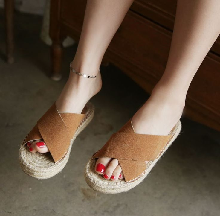 Dress Up Confidence! 66girls.us Silver-Tone Linked Diamond Anklet (DHSL #66girls #kstyle #kfashion #koreanfashion #girlsfashion #teenagegirls #younggirlsfashion #fashionablegirls #dailyoutfit #trendylook #globalshopping