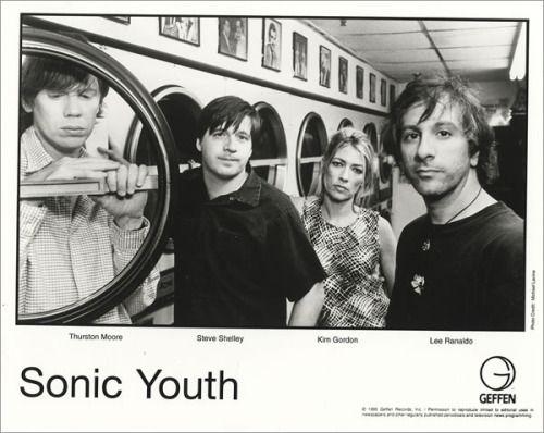 guerrillaoperator:Sonic Youth, 1995.