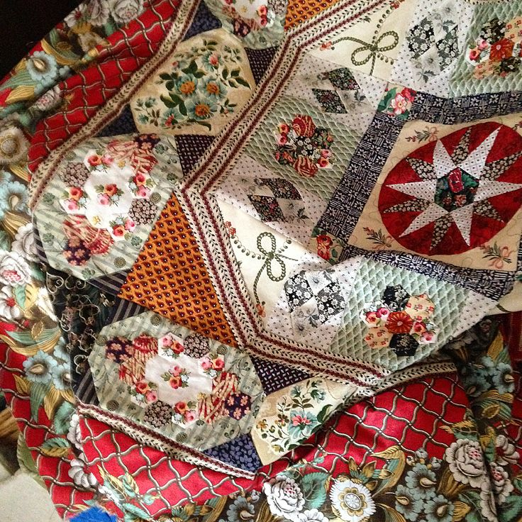 167 vind-ik-leuks, 19 reacties - Mary Jenkins (@red_alfreda) op Instagram: 'This patchwork has been on the back burner for a while, but I now want to finish the piecing at…'