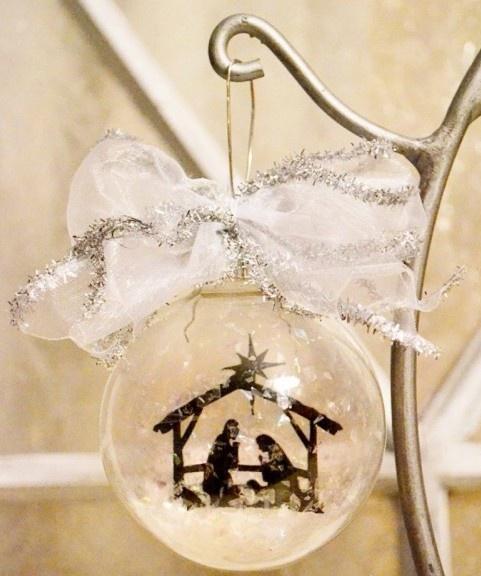 Best Christmas Tree Glass Ornaments Decorating Ideas