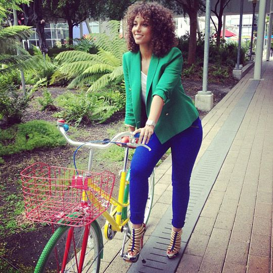Get the Look: Alicia Keys's Instagram Green Blazer, Rag & Bone Cobalt Zipper Jeans, and Christian Louboutin Ulona Sandals: Celebrity Style, Bike, Alicia Keys, Blue Green, Outfit, Colors Blocks, Hair, Bright Colors, Black Girls