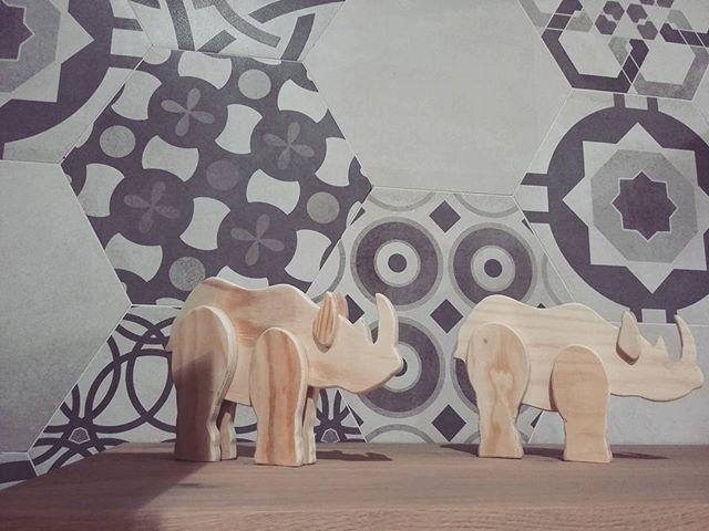 #century #keramos #esagoni #showroom #ildiscountdellapiastrella #milano #pantigliate #piastrelle #rinoceronte #rinoceronteblu