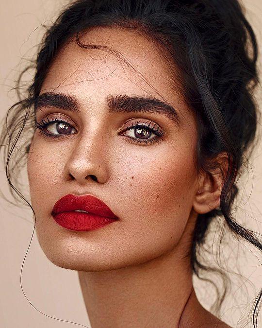 Bella ❤ Welch ein hübsches Mädchen und diese Lippen l Tolles natürliches Make up
