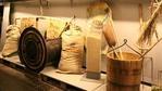 Hier eröffnet sich eine ganze Erlebniswelt rund ums Bier:    Beispielsweise führt das Brauereimuseum durch die Braugeschichte. In der Kloster Destille erlebt Ihr die wundersame Veredlung von Bier zu Hochprozentigem. Schulungen in der Alpirsbacher Akademie sind lehrreich und unterhaltsam. In der Alpirsbacher Glasbläserei können Alt & Jung einem vom Aussterben bedrohten Kunsthandwerk beiwohnen. Und in der Schau-Confiserie kann man nicht nur zusehen, wie Köstlichkeiten aus Schokolade entstehen…