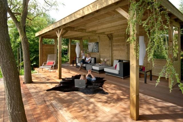 ECO CHIQUE staat voor duurzaamheid en eerlijke materialen. Langer genieten van het buitenleven, maak een (terras)overkapping in uw tuin