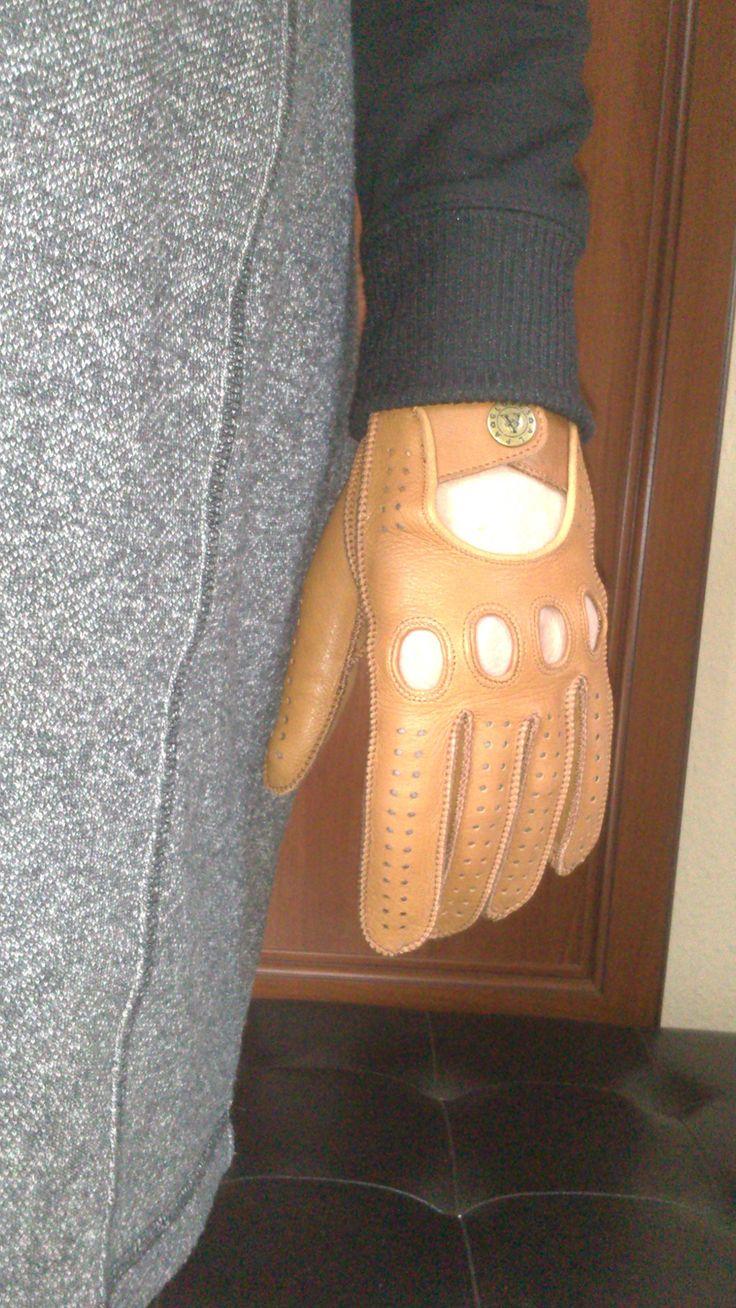 Women's driving gloves. alpagloves.com
